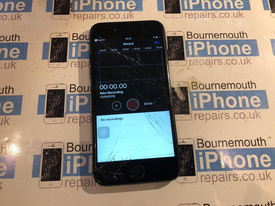 iPhone 7 that isn't showing the loud speaker button which is caused by an iPhone 7 audio codec fault and is also know as a audio codec fault or iPhone 7 boot loop disease.  Come to bournemouth iPhone repairs which is not a shop, but a private electronics workshop with the latest nano soldering equipment
